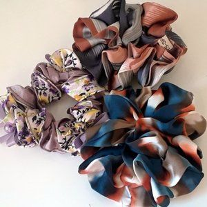 NWT 3 different colors Hair band / Scrunchies